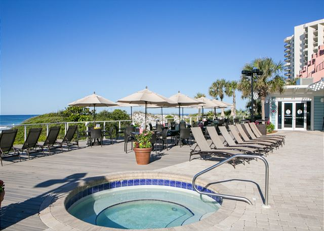 Tops'l Resort Hot Tub