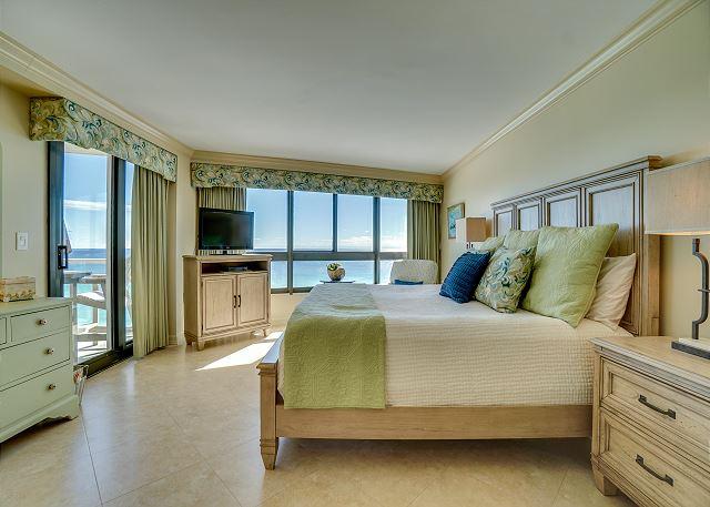 Beachside II 4313 Master Bedroom