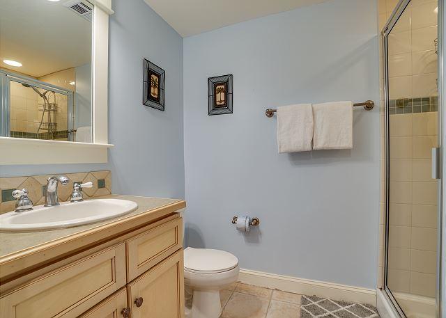 Grand Sandestin 2208 Guest Bathroom