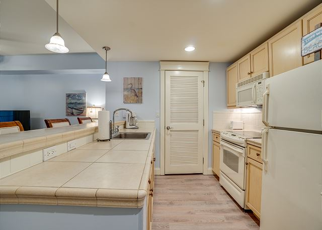 Grand Sandestin 2208 Kitchen