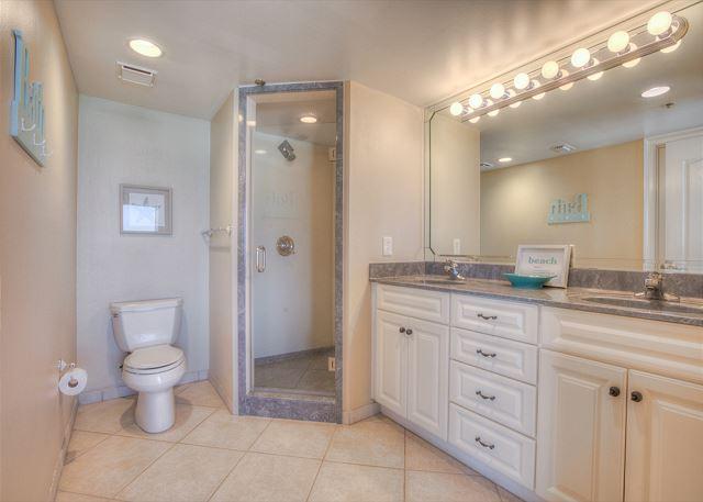 Beachside II 4271 Master Bathroom
