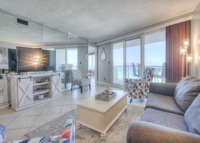 Beachside II 4271 Living Room