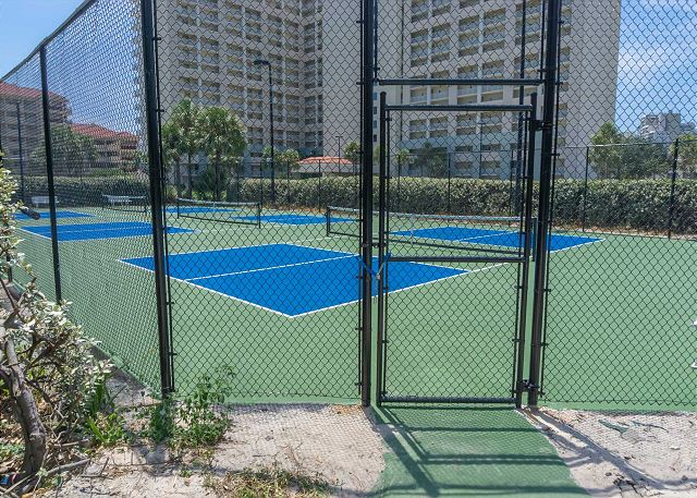 Tides Tennis Courts