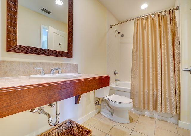 Luau 6801-03 Bathroom 1