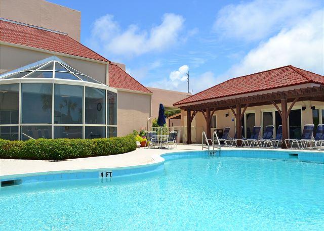 Beach Manor 1004  Pool