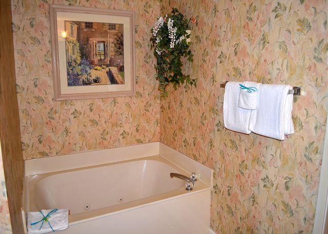 Tides 805 Master Bathroom