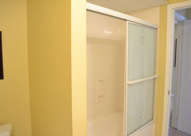 Beach Manor 209 Master Bathroom