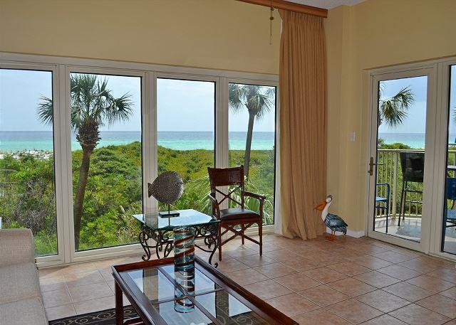 Beach Manor 209 Living Room