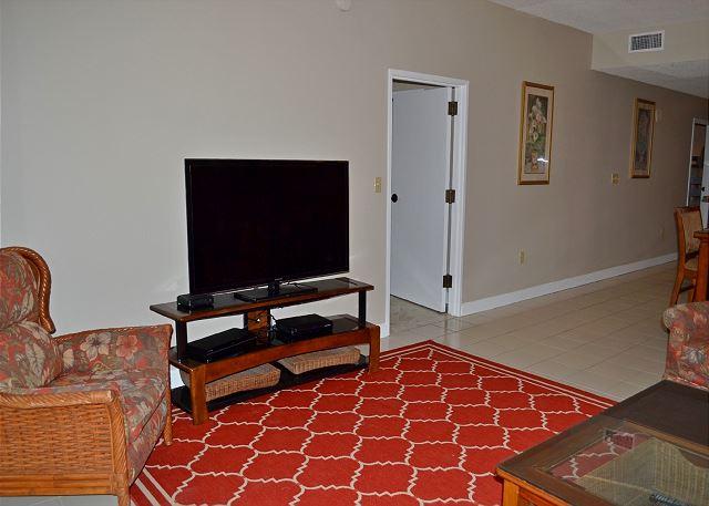 Tides 805 Living Room
