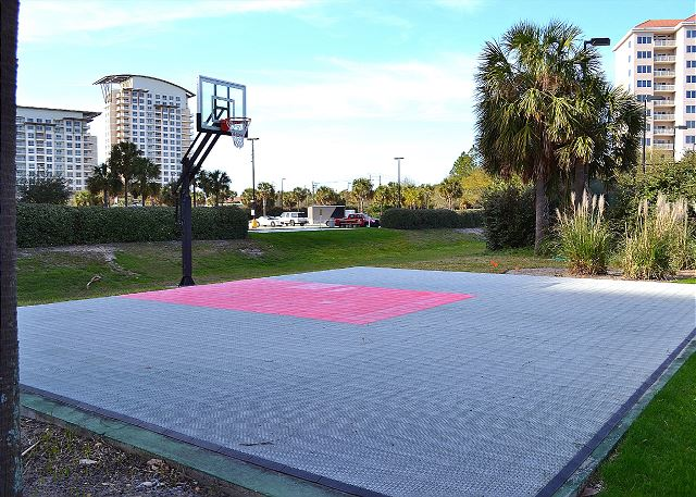 Tops'l Resort Basketball Court