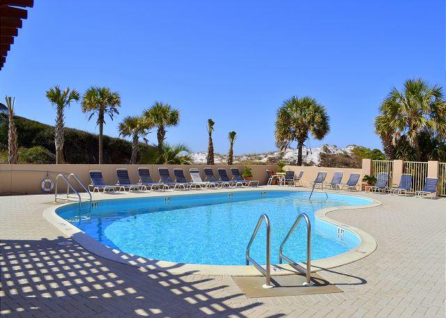 Beach Manor pool - Gibson Beach Rentals