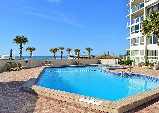 Beachside II Pool