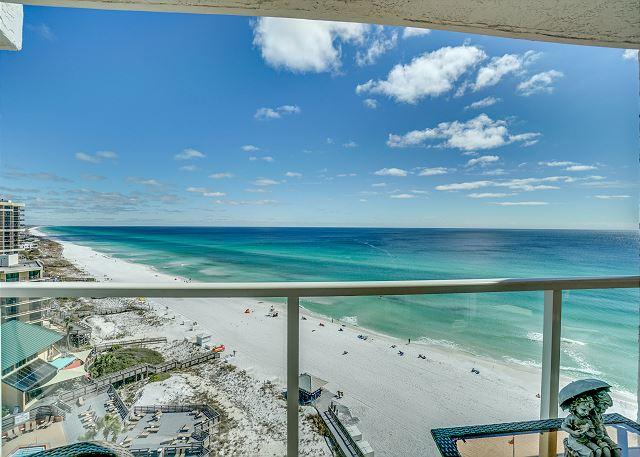 Beachside II 4333 Living Room Balcony