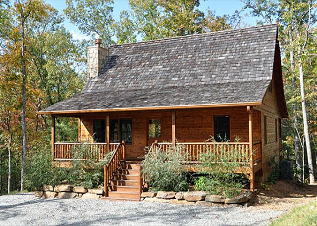 This cabin may look small but it has 4 bedroom, 3 baths, and 2 living room areas. Perfect for family entertaining.