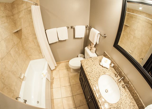 Upper Level Full Bath.