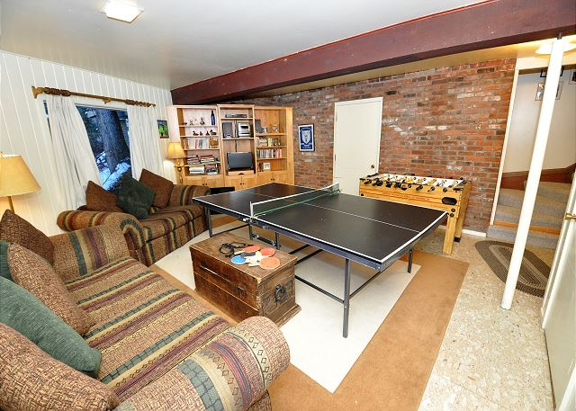 Rec room with fooze ball table