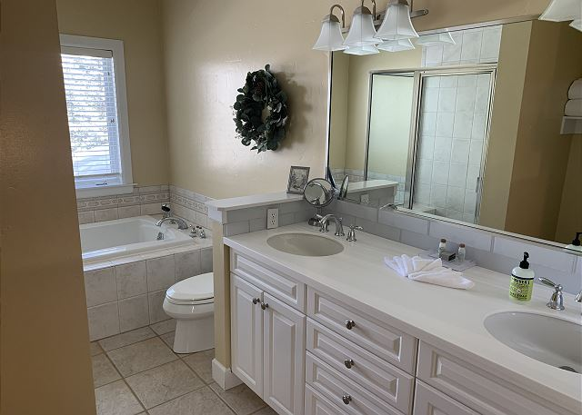 Large Bathroom in the Hallway