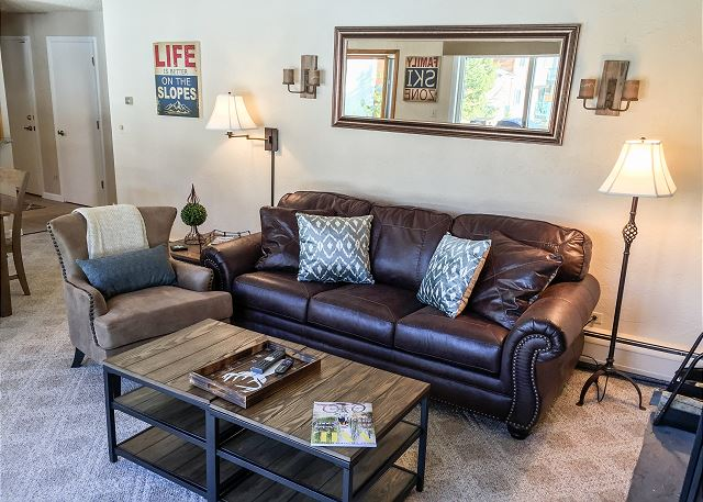 Stylish 3-bedroom condo in Timber Falls, ID#225125