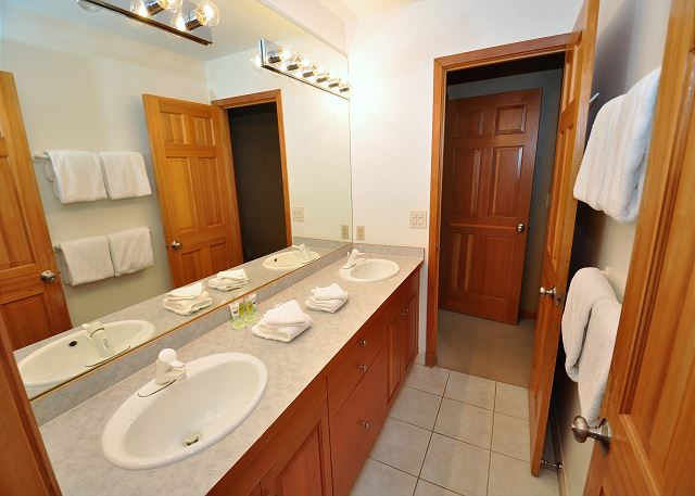 Roomy full bathroom