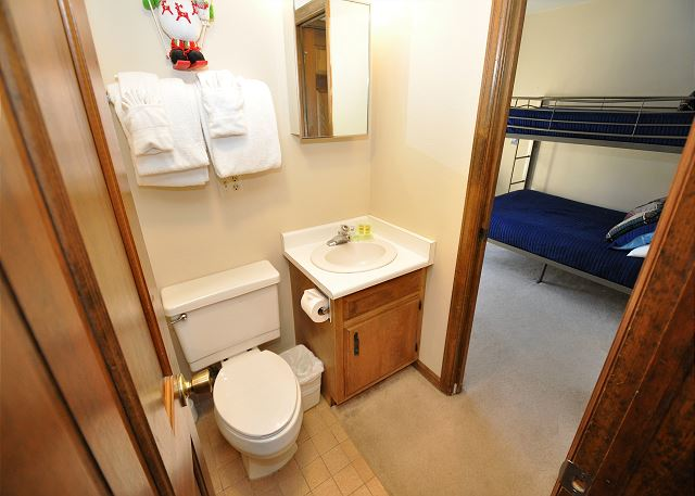 En suite full bathroom