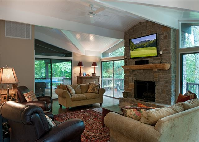 555 Bridle Trail