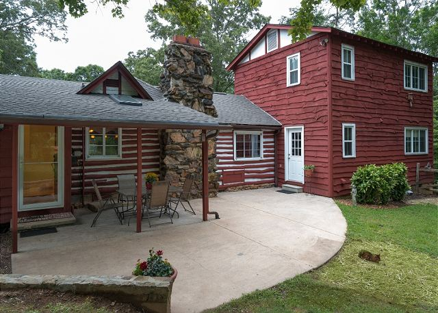 Asheville cabin rentals celia 39 s retreat vacation rental for Asheville area cabin rentals