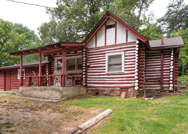 Asheville cabin rentals celia 39 s cottage vacation rental for Asheville area cabin rentals