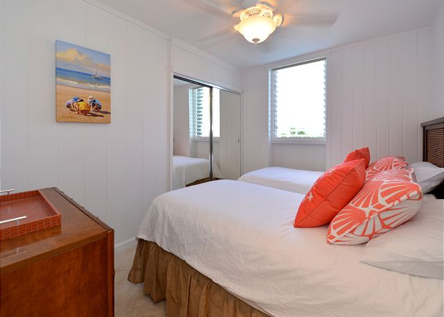 Hale Kai # 101 - Guest Bedroom