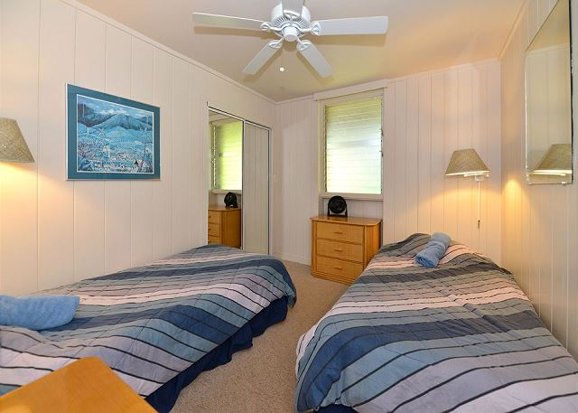 Hale Kai # 220 - Lower Level Second Bedroom with two twin beds