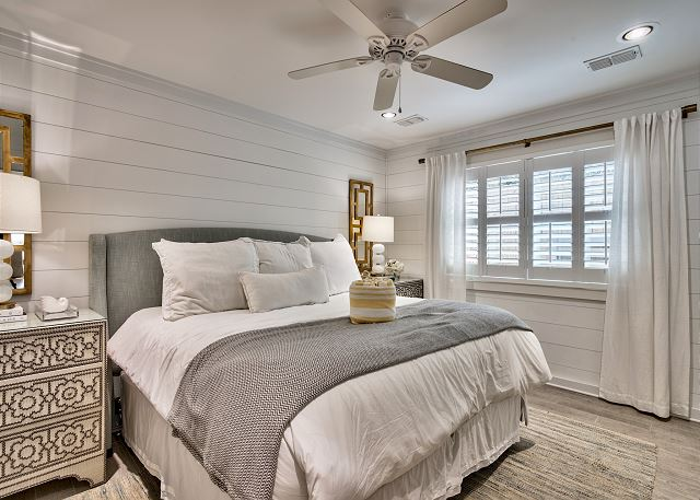 Master Bedroom w/King Sized Bed