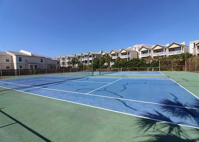 Chateau La Mer Tennis Courts