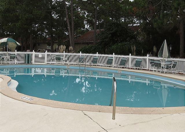 5 Community Pools