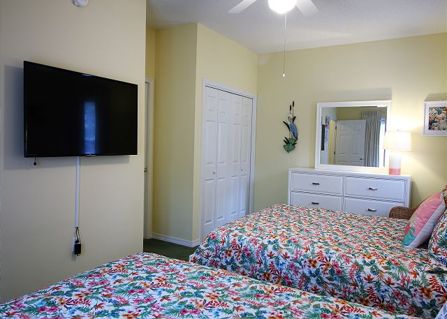 2nd Bedroom with 2 Queen Beds