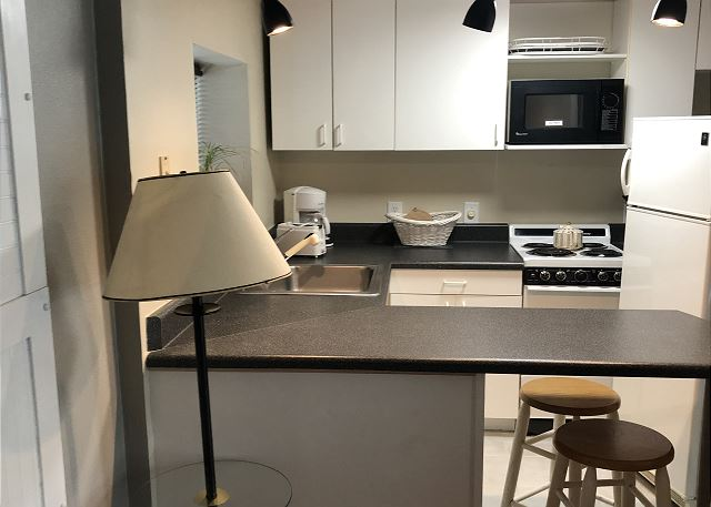 2nd full kitchen in studio suite!