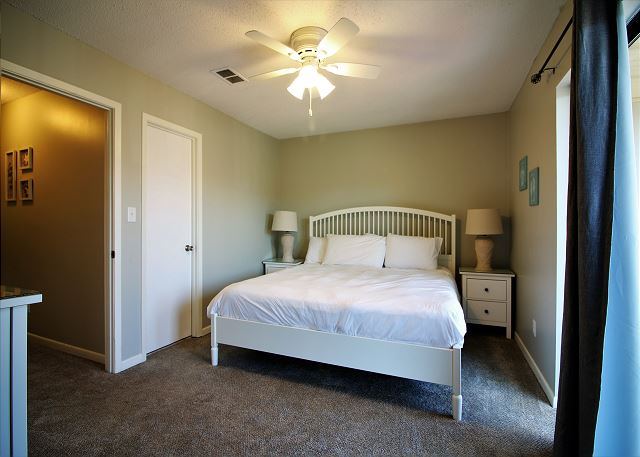 2nd Bedroom with King Size Bed