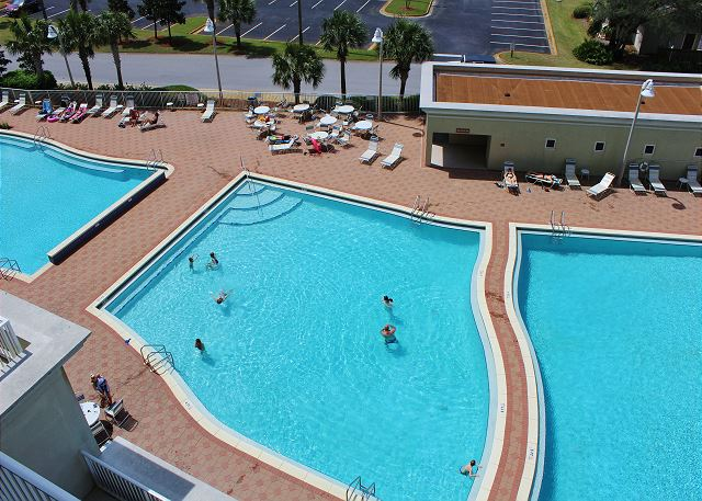 3 Pools at Ariel Dunes