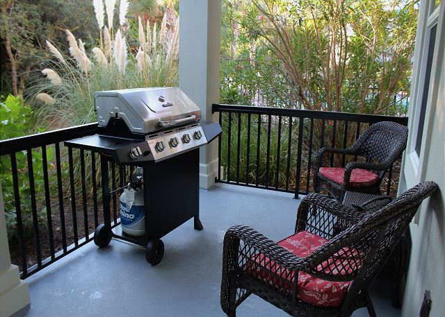 Private Patio with Propane Grill