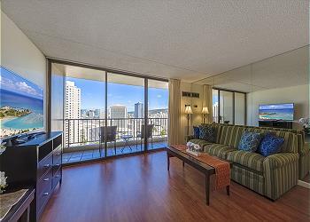 Chateau Waikiki 3006