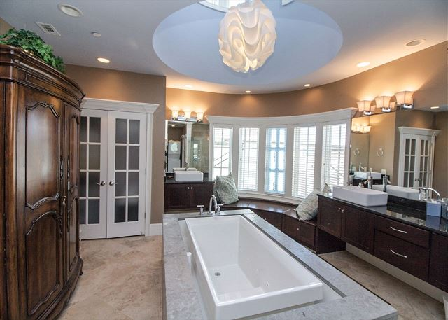 Third Floor Master Bathroom