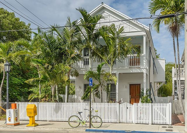 Grande & Petite Maisons: Sleeps 12, Pool & Parking, Best Key West Location