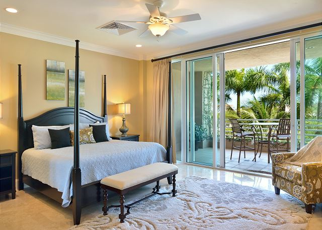 Relax in Luxury: Harborside Residence Walk to Everything Private Pool, Garage