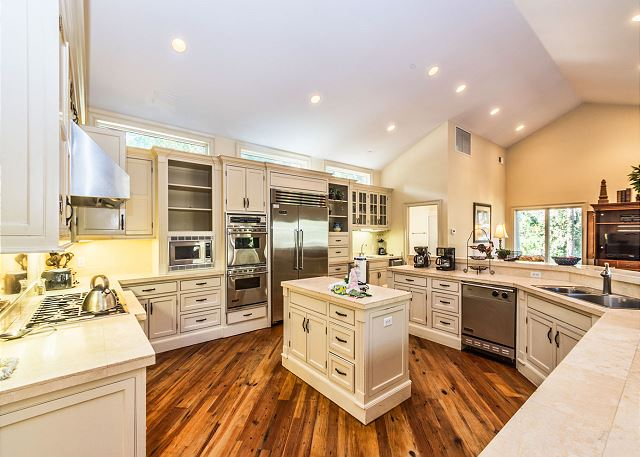 The huge gourmet kitchen is a foodie's dream come true!