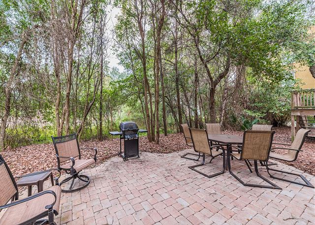 Crabline Court 32, Luxury 5 Bedrooms, Private Pool, Sleeps 12 - Dine Al Fresco - HiltonHeadRentals.com