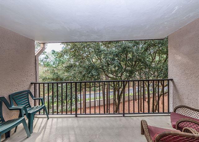 Village House 307, 2 Bedrooms, Pet Friendly, Elevator, Sleeps 8 - Relax - HiltonHeadRentals.com
