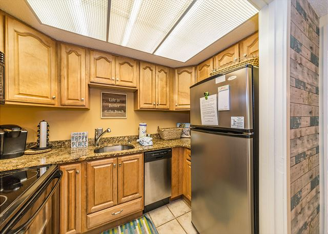 Village House 107, 2 Bedrooms, Pet Friendly, Pool, Sleeps 7 - Beautiful kitchen - HiltonHeadRentals.com
