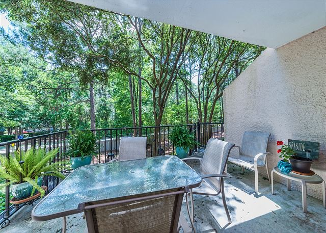Village House 107, 2 Bedrooms, Pet Friendly, Pool, Sleeps 7 - Perfect resting position - HiltonHeadRentals.com