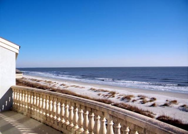 Singleton Beach 11B, Oceanfront 3 Bedrooms, Pool, Elevator - View of the beach - HiltonHeadRentals.com