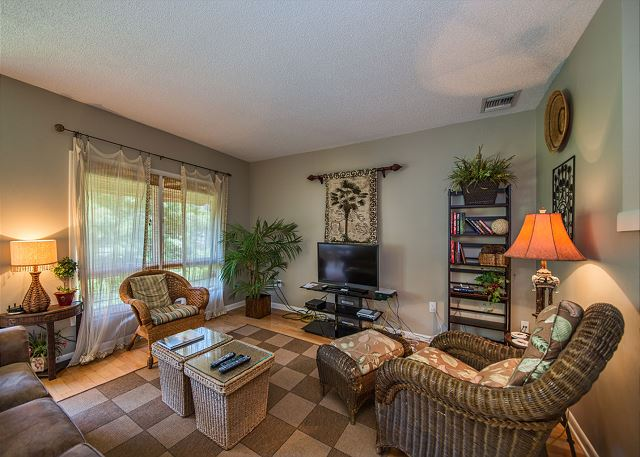 Anchorage 7411, 2 Bedroom, Lagoon View, Pool, Hot Tub, Sleeps 6 - Perfect Family Accommodations - HiltonHeadRentals.com