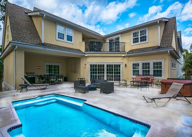 Low Country Manor, 6 Bedroom, Heated Pool, 3rd Row to Beach Picture
