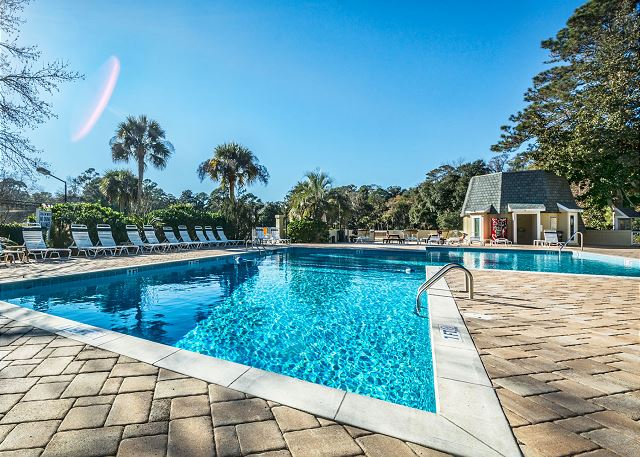 Evian 138, 2 Bedroom, Pool, Tennis, Sleeps 6 - Pool at Evian - HiltonHeadRentals.com